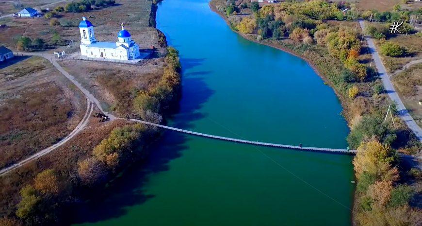 Подвесной мост в селе Дьяковка